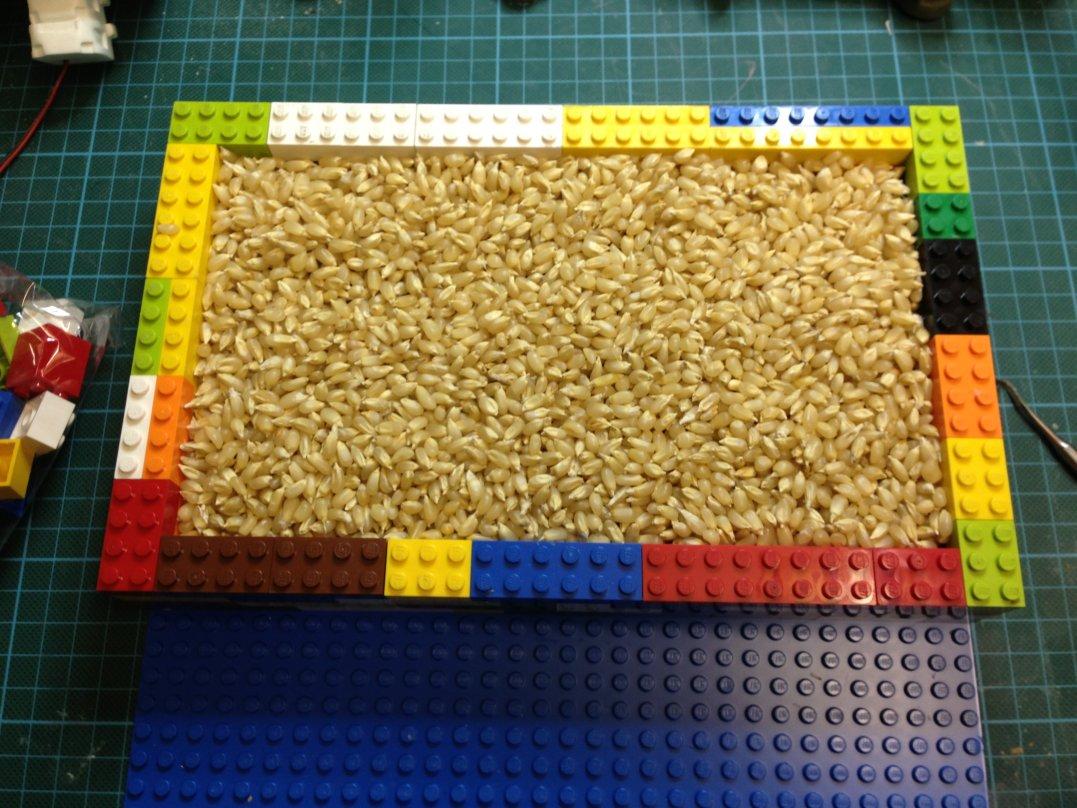 zweiteilige silikonform mit lego. Black Bedroom Furniture Sets. Home Design Ideas