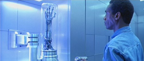 http://www.hollywoodhardware.de/terminator/pics/endo-arm-real01.jpg